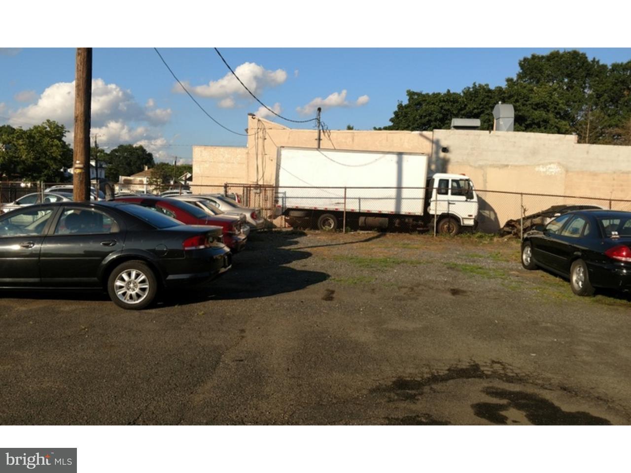 Частный односемейный дом для того Продажа на 438 W BROAD Street Paulsboro, Нью-Джерси 08066 Соединенные Штаты