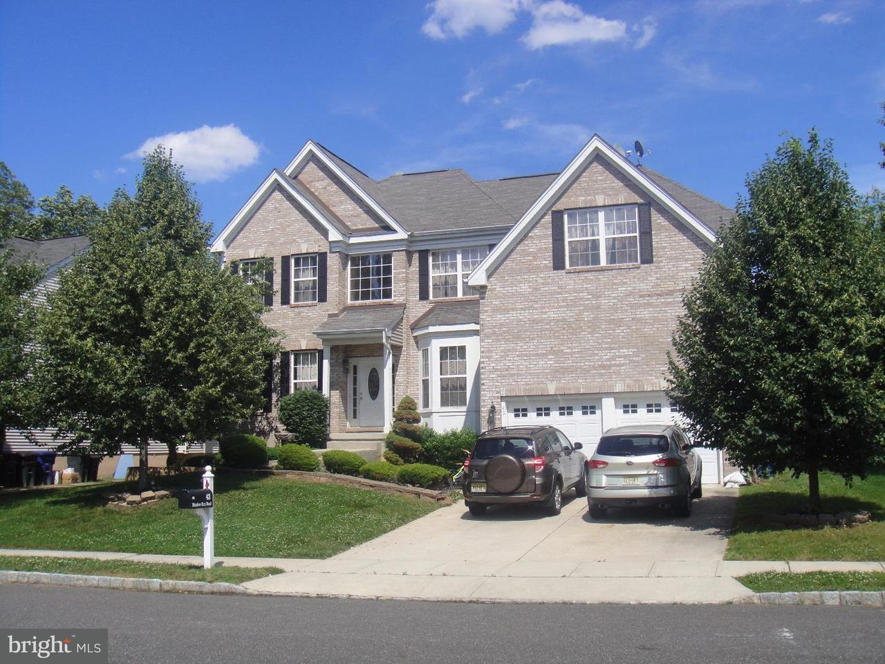 独户住宅 为 销售 在 43 MEADOW RUN Road 波登镇, 新泽西州 08505 美国
