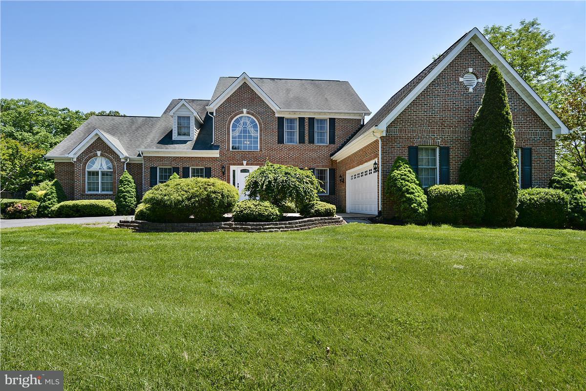 Частный односемейный дом для того Продажа на 7929 SADDLE RIDGE Court 7929 SADDLE RIDGE Court Catlett, Виргиния 20119 Соединенные Штаты