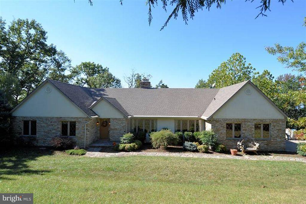 Single Family Home for Sale at 1409 CALMES NECK Lane 1409 CALMES NECK Lane Boyce, Virginia 22620 United States