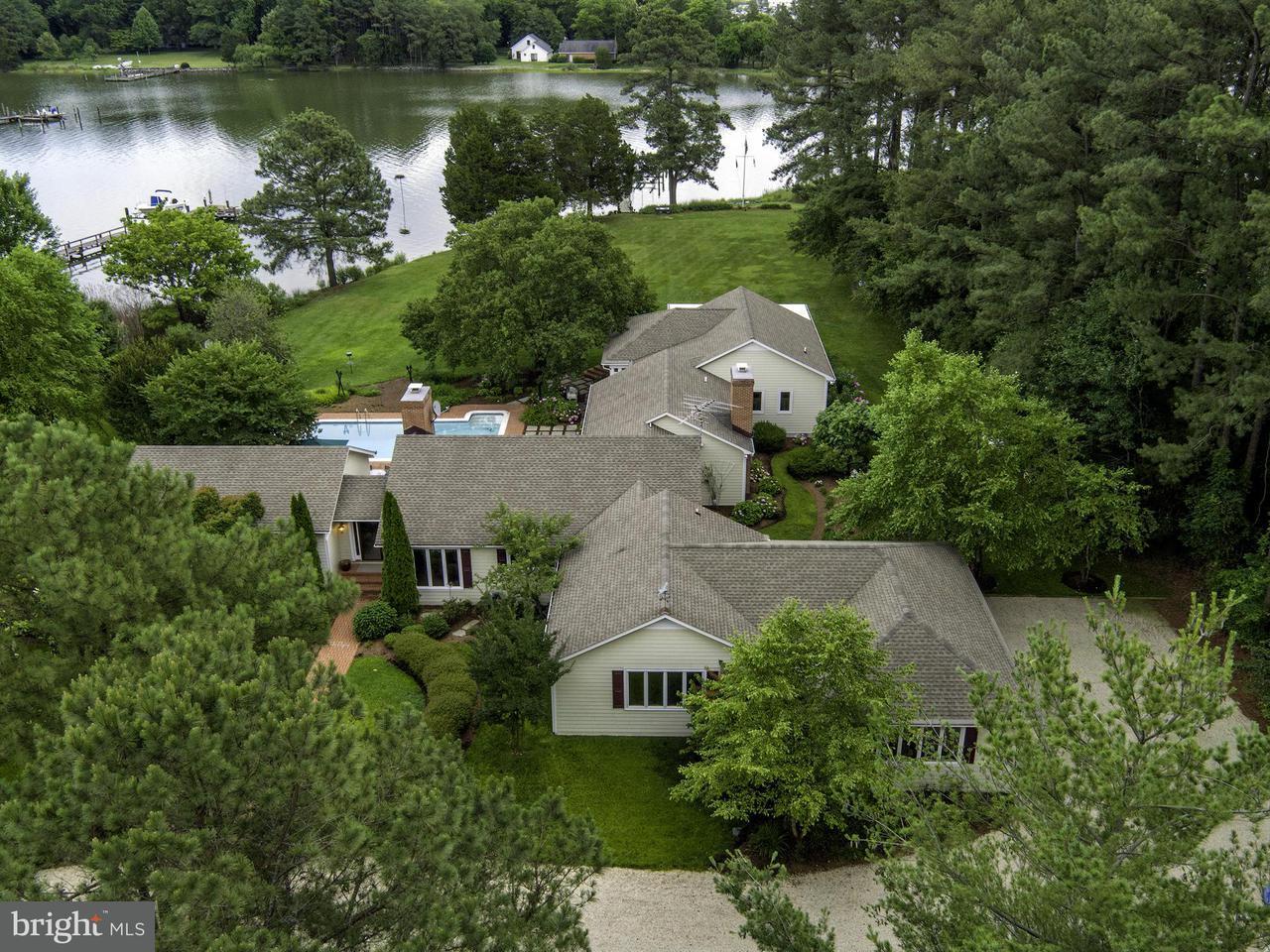 Maison unifamiliale pour l Vente à 27211 Baileys Neck Road 27211 Baileys Neck Road Easton, Maryland 21601 États-Unis