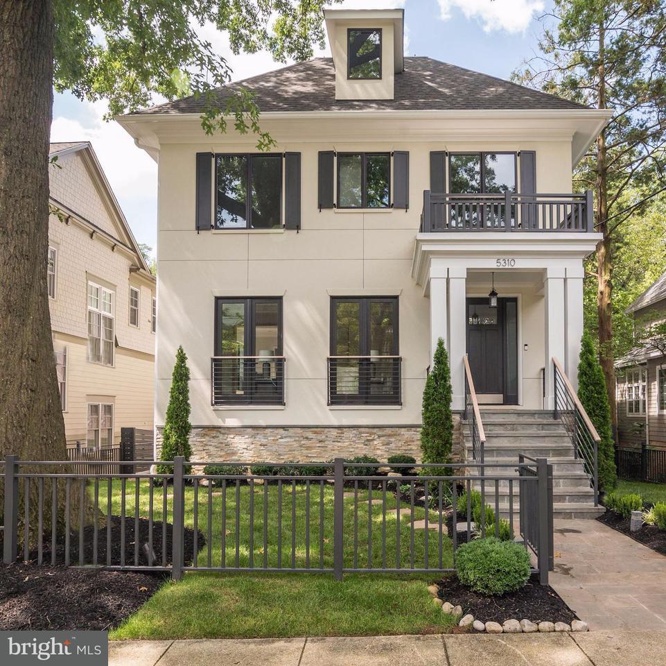 Casa Unifamiliar por un Venta en 5310 DORSETT PL NW 5310 DORSETT PL NW Washington, Distrito De Columbia 20016 Estados Unidos