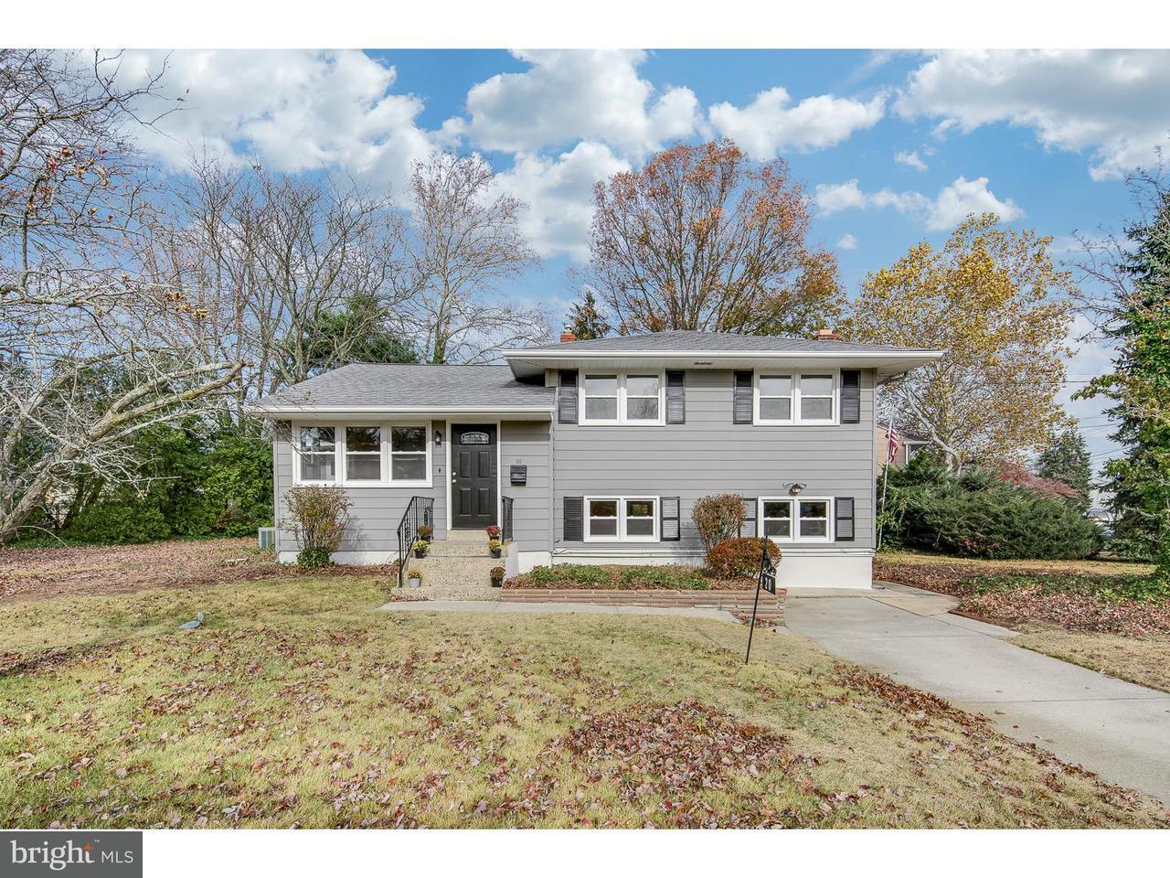 Maison unifamiliale pour l Vente à 20 TRINITY Place Barrington, New Jersey 08007 États-Unis