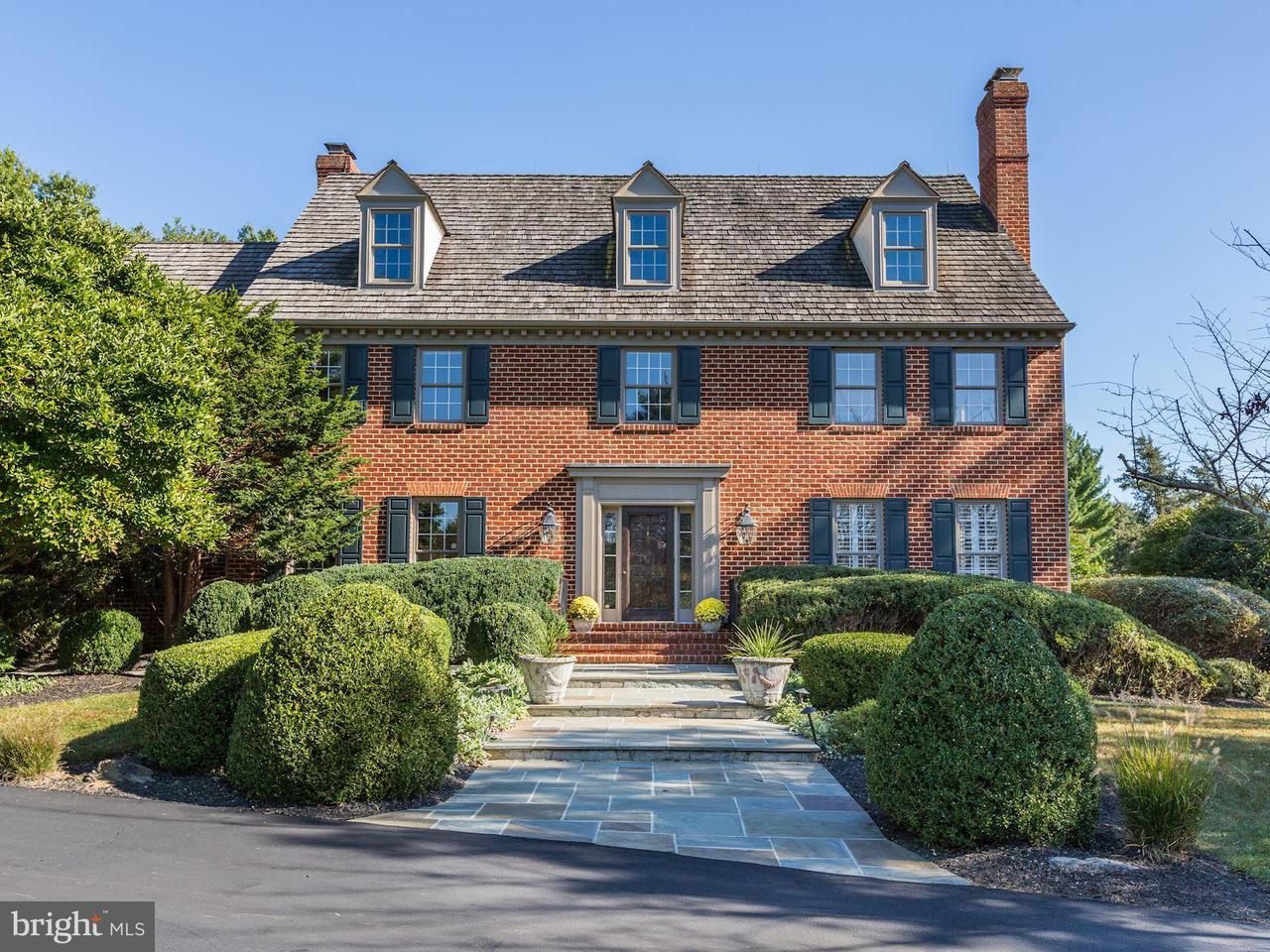 獨棟家庭住宅 為 出售 在 13601 STONEBARN Lane 13601 STONEBARN Lane North Potomac, 馬里蘭州 20878 美國