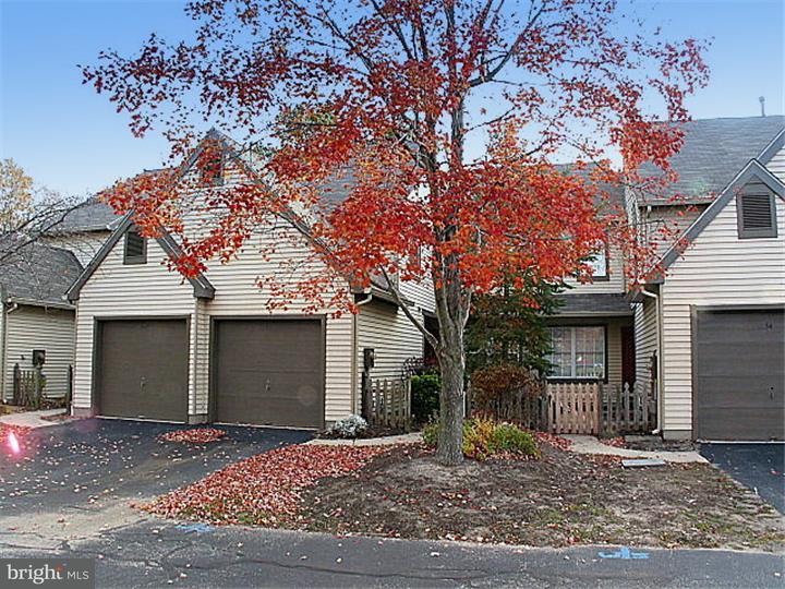 联栋屋 为 出租 在 53 WOODLAKE Drive Marlton, 新泽西州 08053 美国