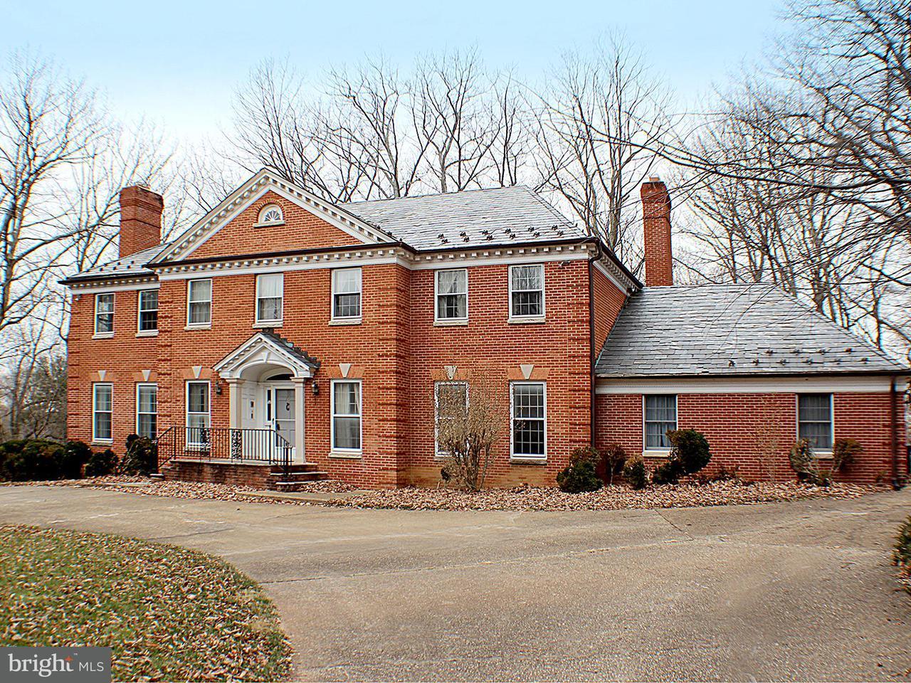 단독 가정 주택 용 매매 에 10900 TARA Road 10900 TARA Road Rockville, 메릴랜드 20854 미국