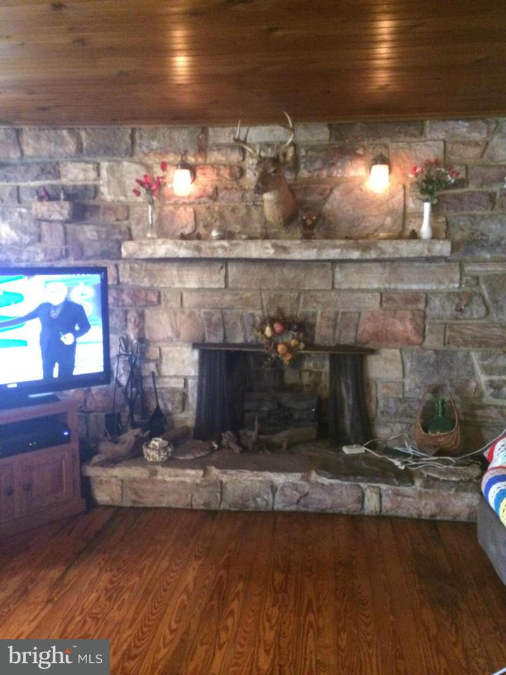 Additional photo for property listing at 7125 HORSE VALLEY Road 7125 HORSE VALLEY Road East Waterford, ペンシルベニア 17021 アメリカ合衆国