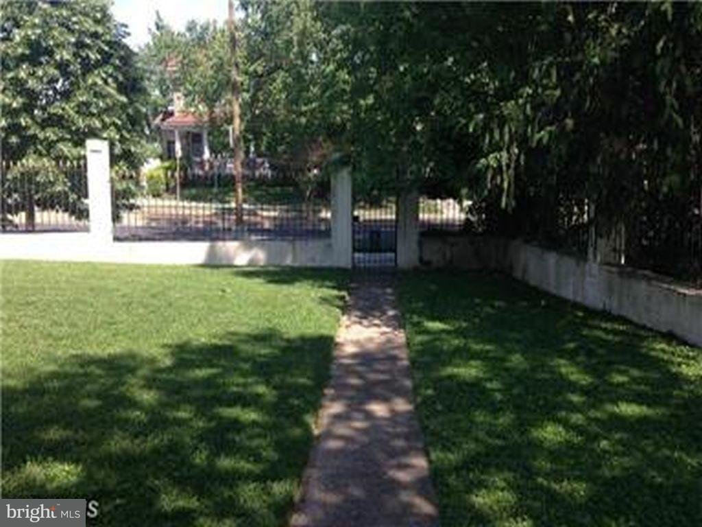 Additional photo for property listing at 4891 COLORADO AVE NW 4891 COLORADO AVE NW Washington, Distretto Di Columbia 20011 Stati Uniti