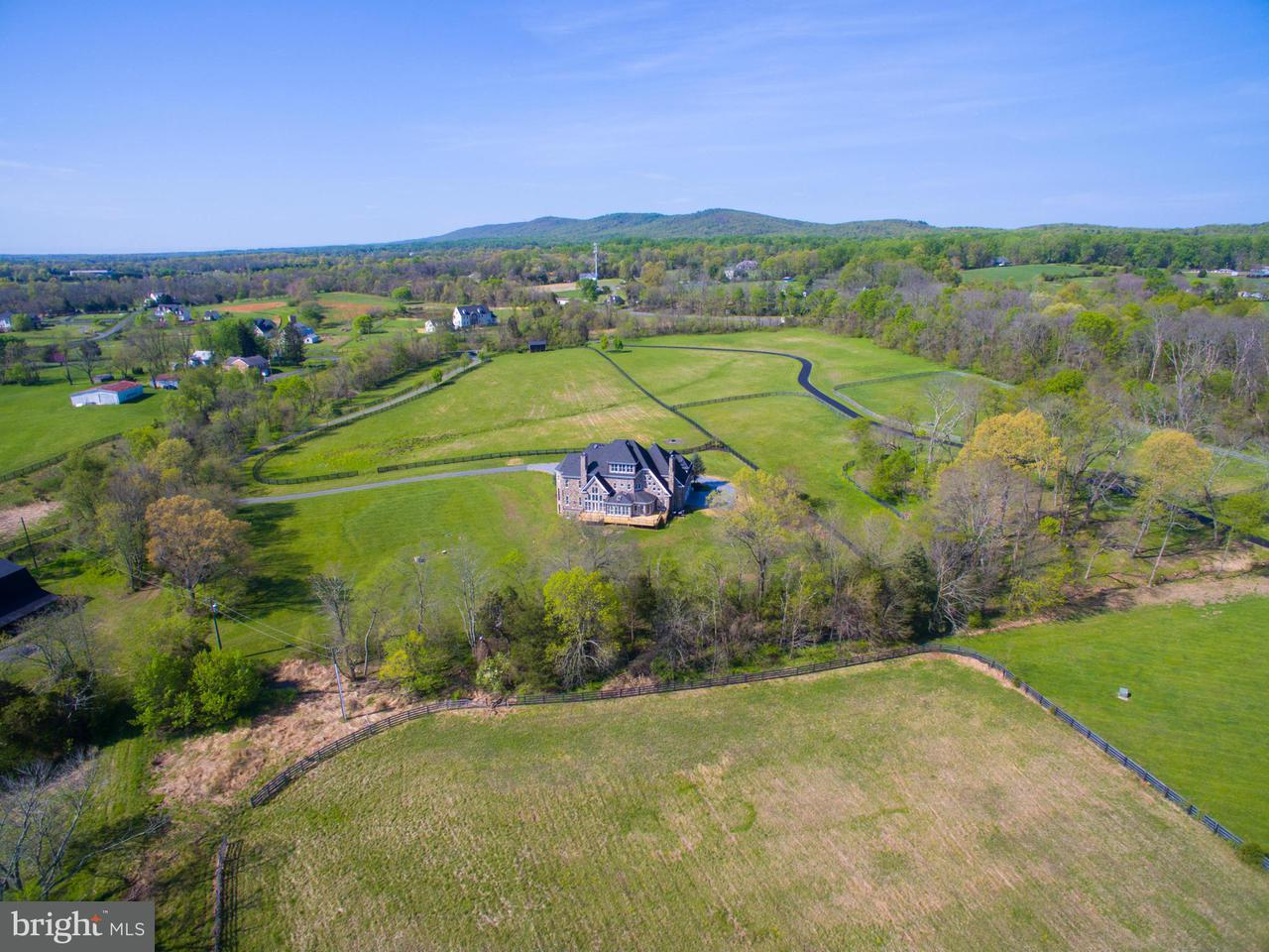 Additional photo for property listing at 39984 BRADDOCK Road 39984 BRADDOCK Road Aldie, Virginia 20105 United States