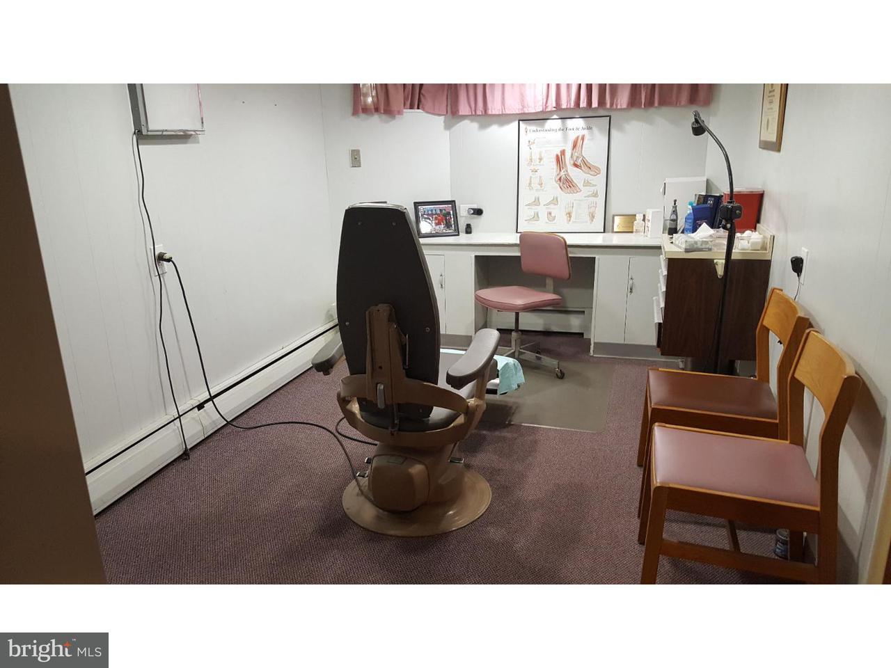 Additional photo for property listing at 601 WALNUT Lane  Philadelphia, Pennsylvania 19128 United States