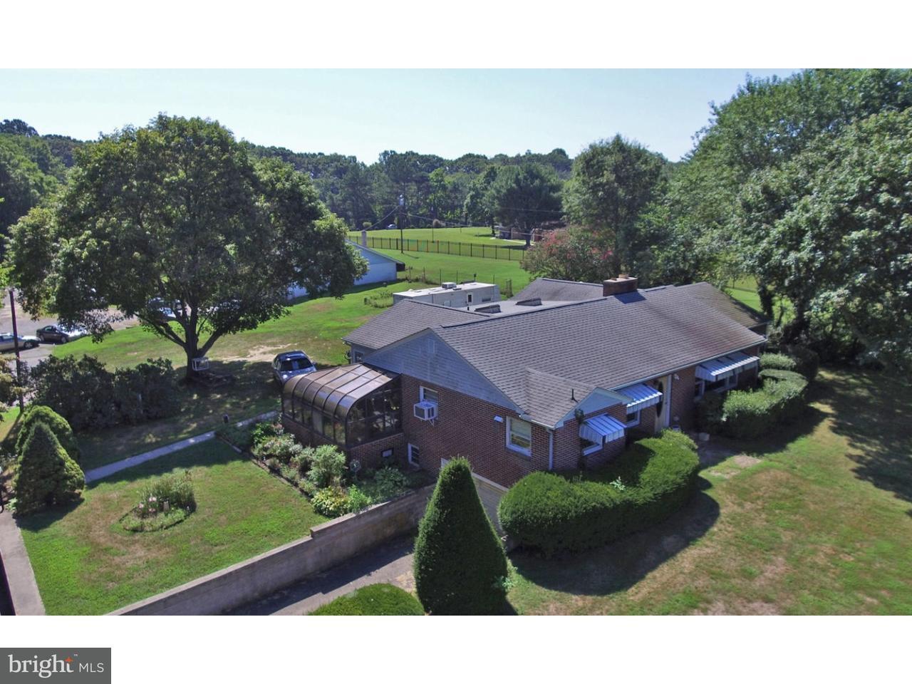獨棟家庭住宅 為 出售 在 4869 S DUPONT HWY Dover, 特拉華州 19901 美國