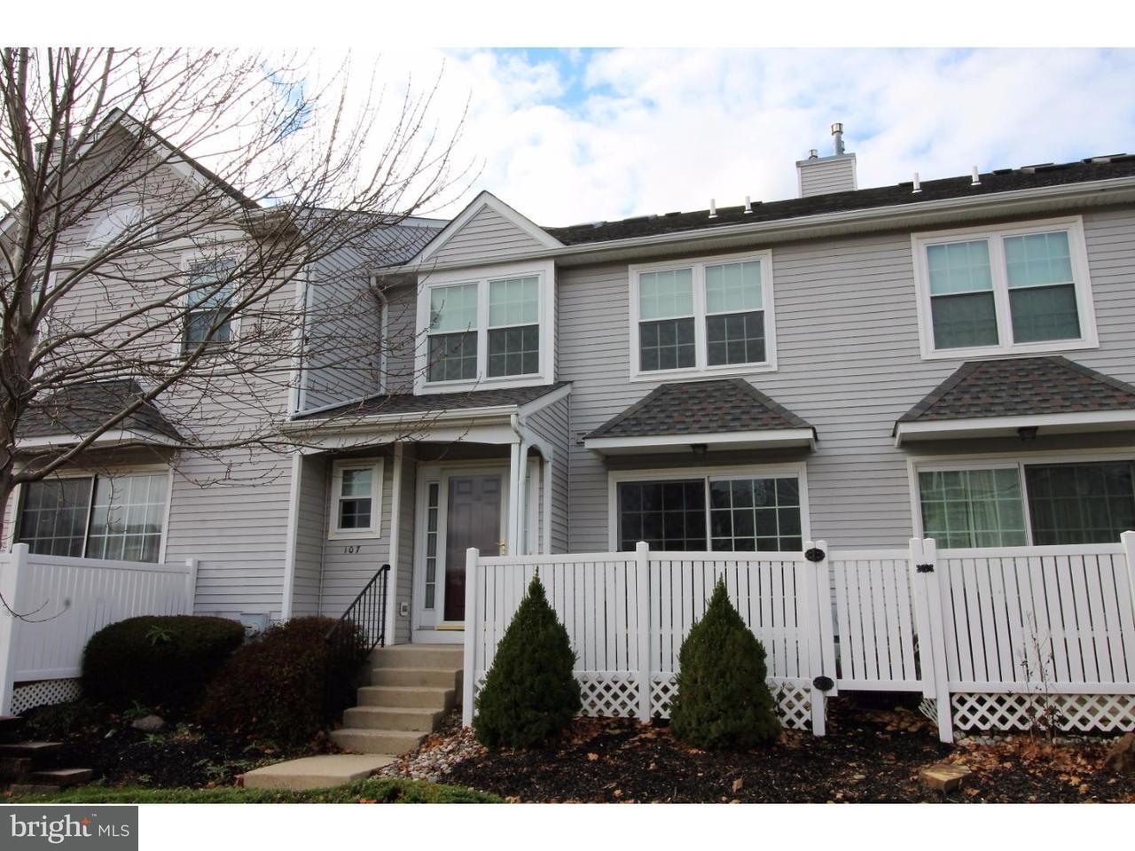 Maison accolée pour l à louer à 107 EAGLE CT #106 Jamison, Pennsylvanie 18929 États-Unis