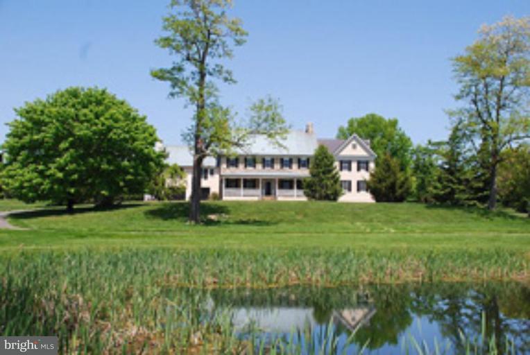 农场 为 销售 在 19931 EBENEZER CHURCH Road 19931 EBENEZER CHURCH Road Bluemont, 弗吉尼亚州 20135 美国