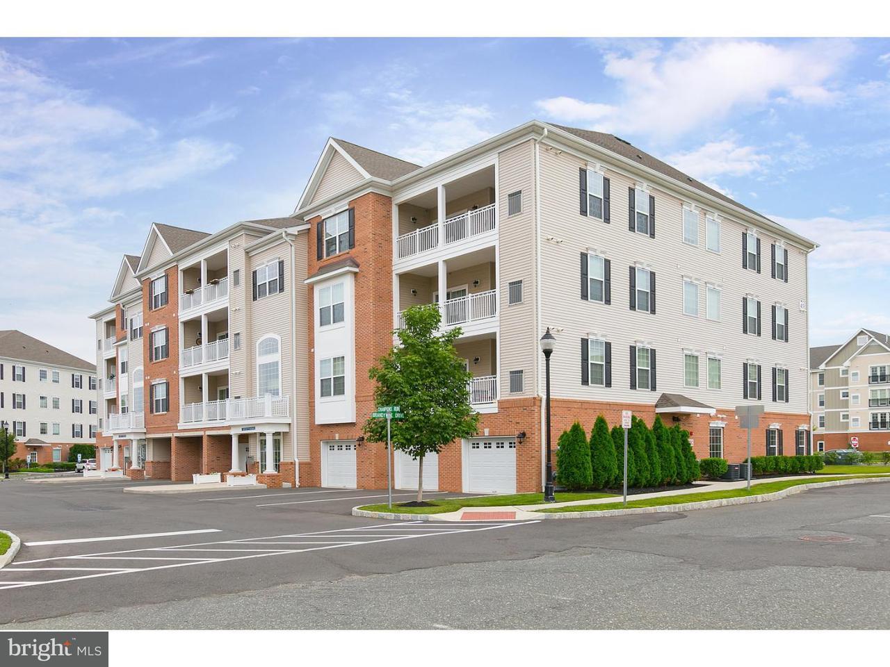 Appartement en copropriété pour l Vente à 4546 PARK Place Cherry Hill, New Jersey 08002 États-Unis