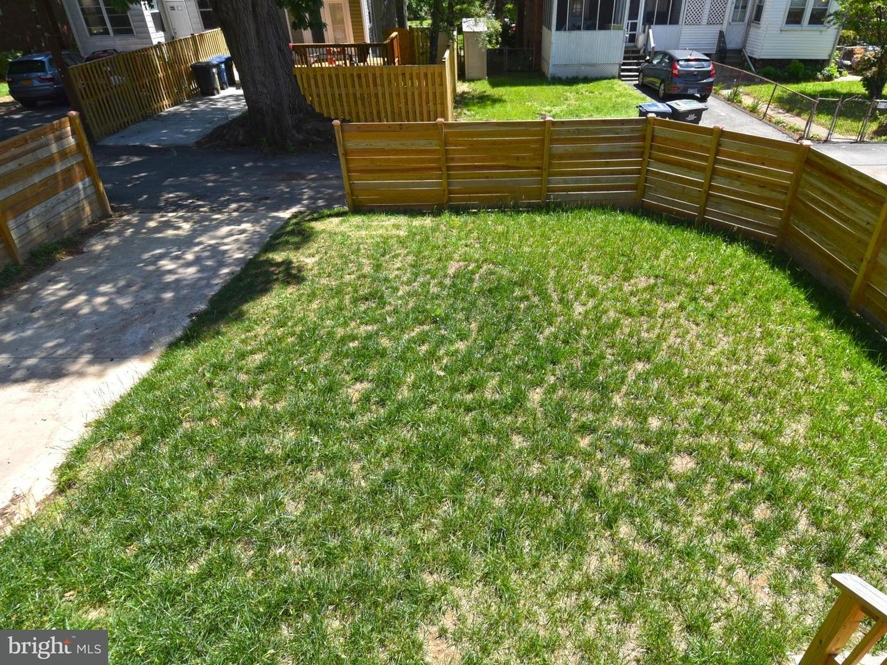 Additional photo for property listing at 4211 12TH PL NE 4211 12TH PL NE Washington, 컬럼비아주 20017 미국