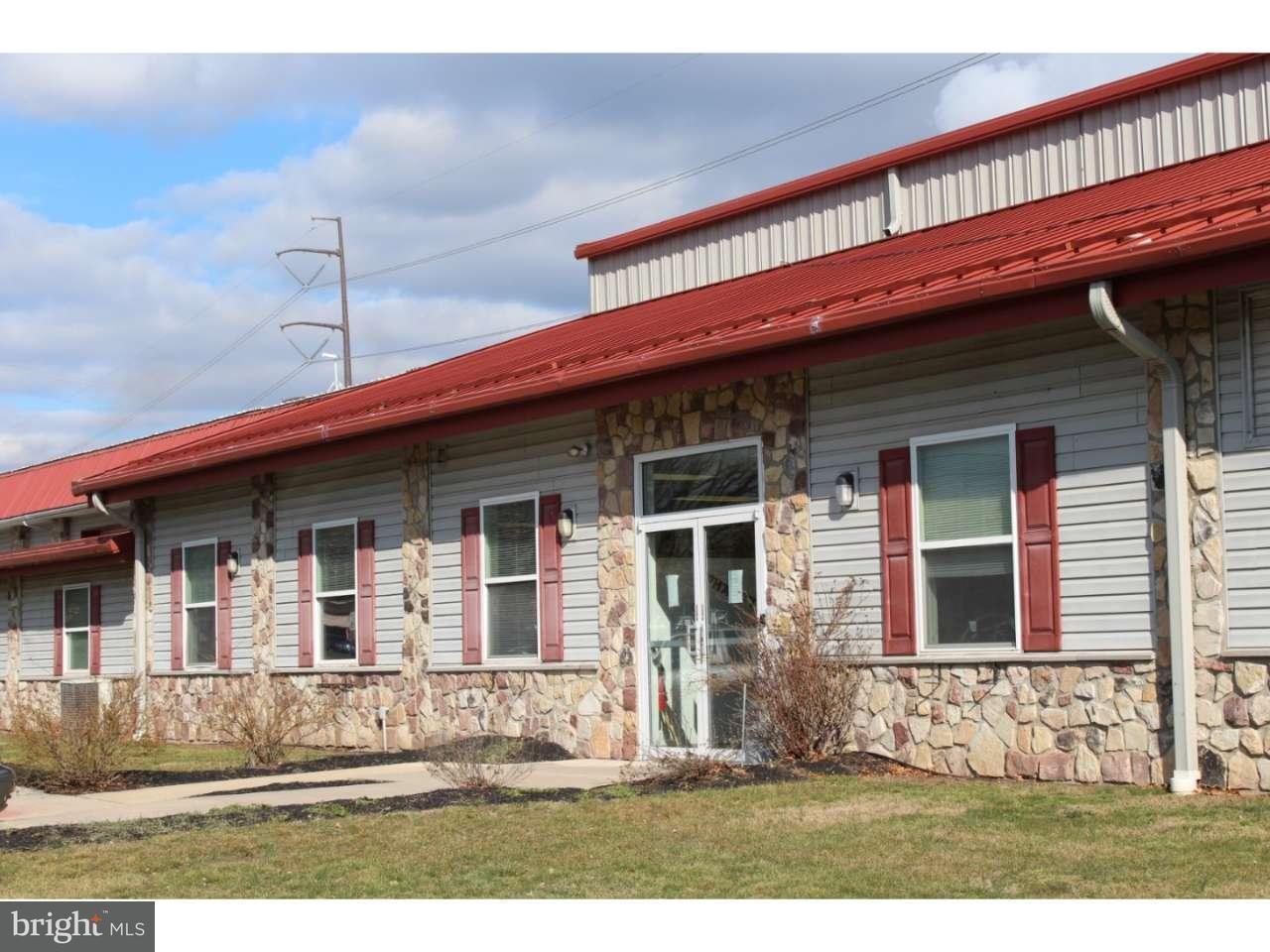 Maison unifamiliale pour l Vente à 74 WELLS Road Pottstown, Pennsylvanie 19465 États-Unis