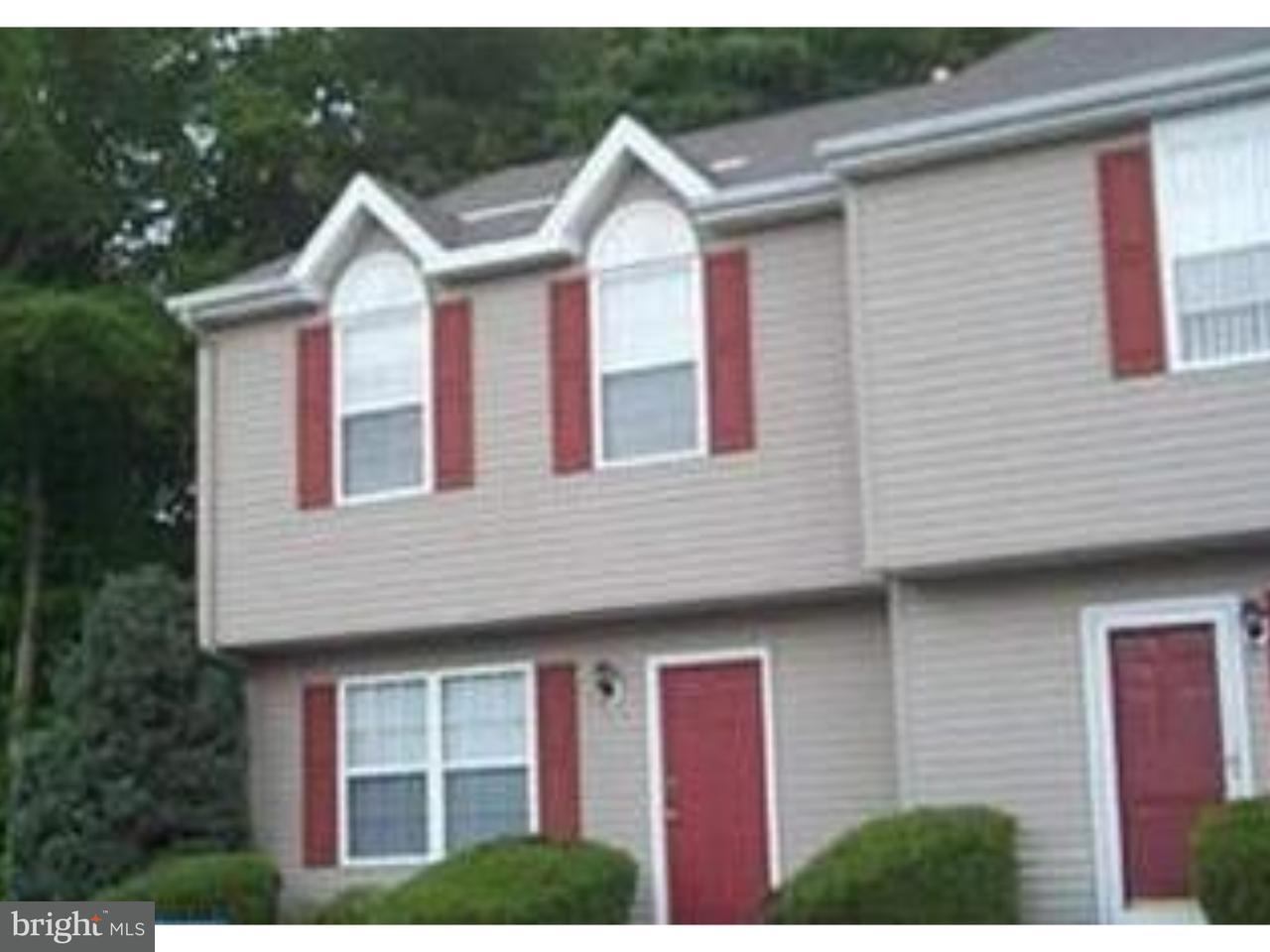 Maison accolée pour l à louer à 5206 TALL PNES Pine Hill, New Jersey 08021 États-Unis