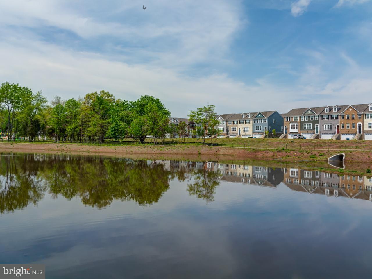 Σπίτι στην πόλη για την Πώληση στο 10538 HINTON WAY 10538 HINTON WAY Manassas, Βιρτζινια 20112 Ηνωμενεσ Πολιτειεσ