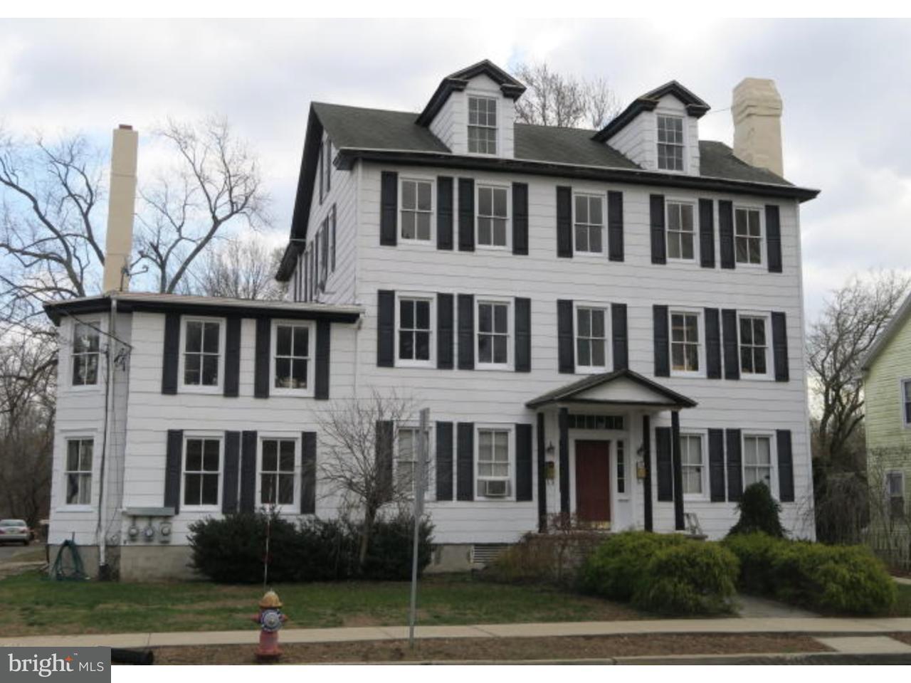 Casa Unifamiliar por un Venta en 21 N MAIN Street New Egypt, Nueva Jersey 08533 Estados Unidos