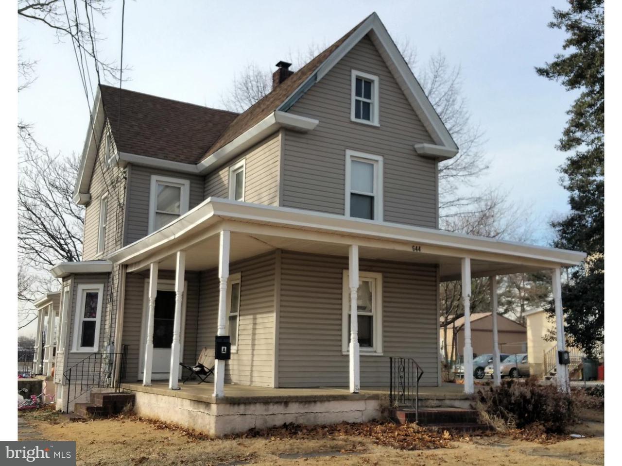 Duplex pour l Vente à 644 N DELAWARE Street Paulsboro, New Jersey 08066 États-Unis
