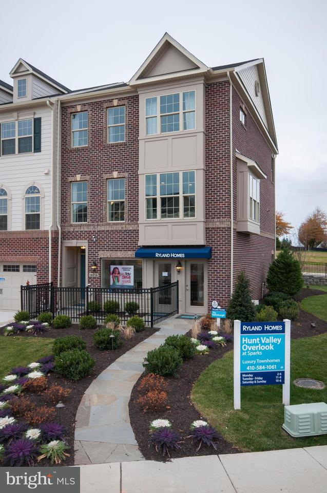 Townhouse for Sale at 13902 FOX HILL Road 13902 FOX HILL Road Sparks Glencoe, Maryland 21152 United States