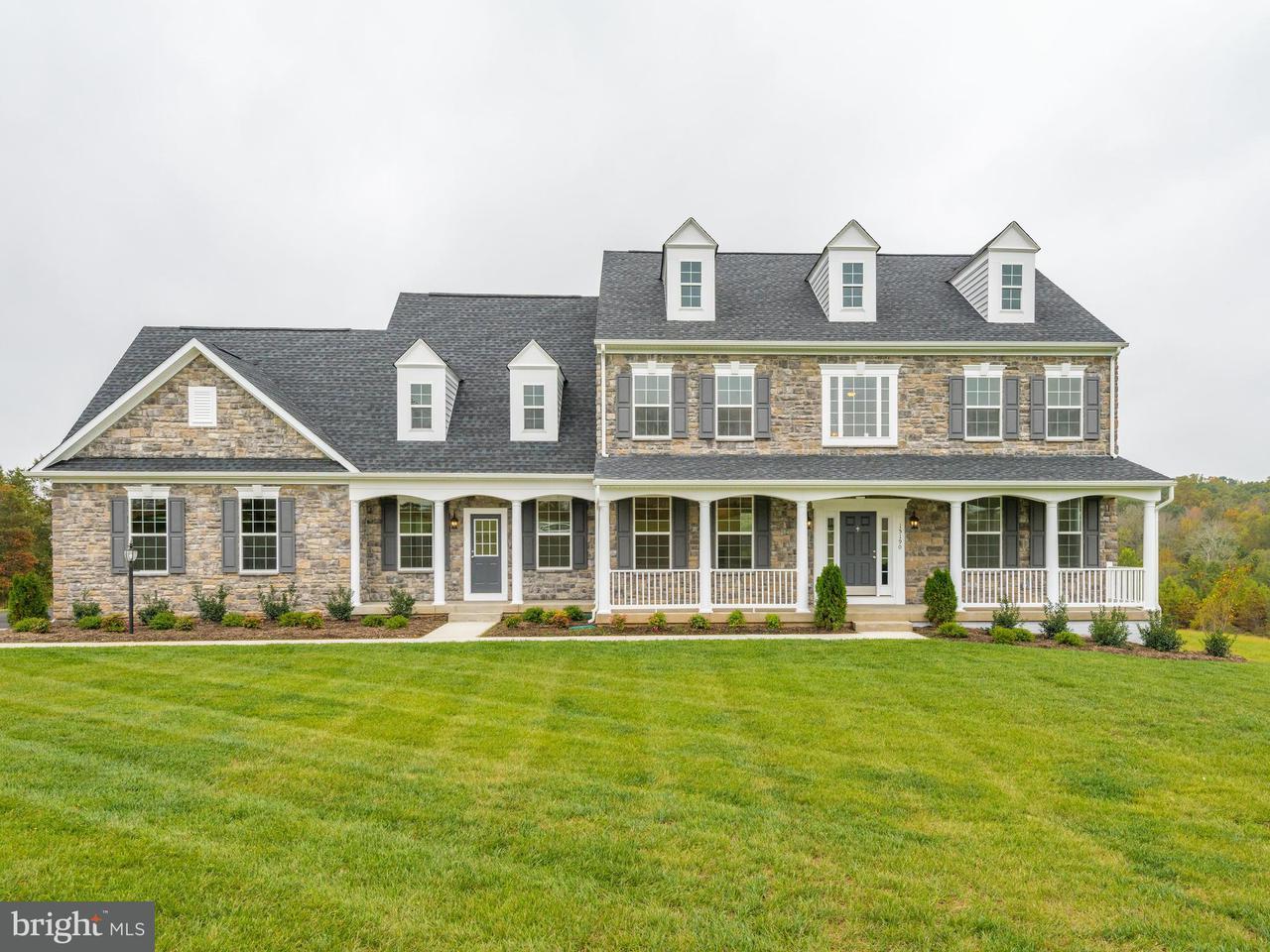 Vivienda unifamiliar por un Venta en 15190 OMEGA Court 15190 OMEGA Court Waterford, Virginia 20197 Estados Unidos