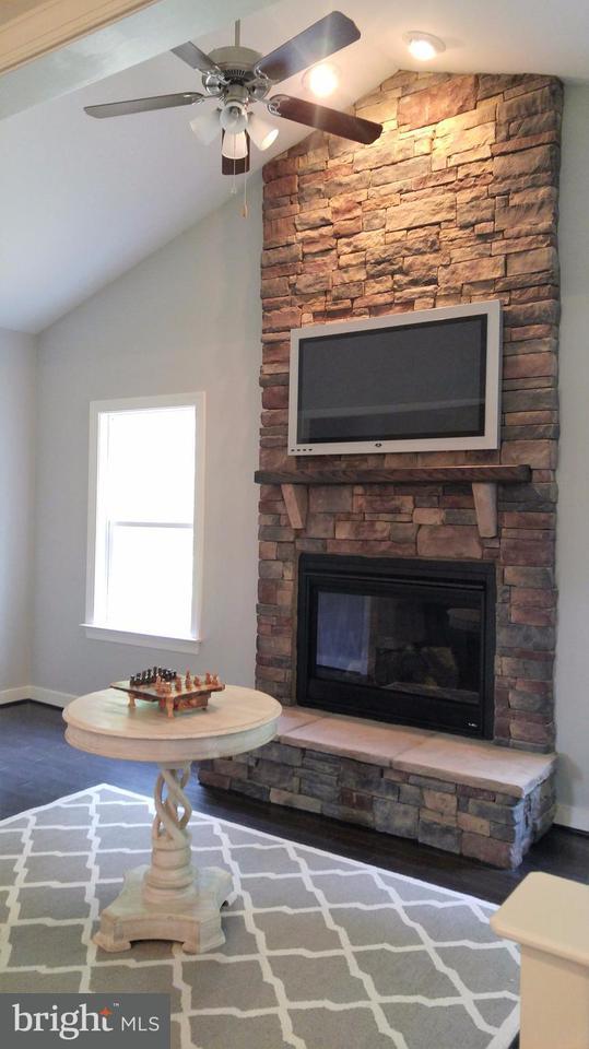 Einfamilienhaus für Verkauf beim 7903 SHIRLEY RIDGE Court 7903 SHIRLEY RIDGE Court Rosedale, Maryland 21237 Vereinigte Staaten