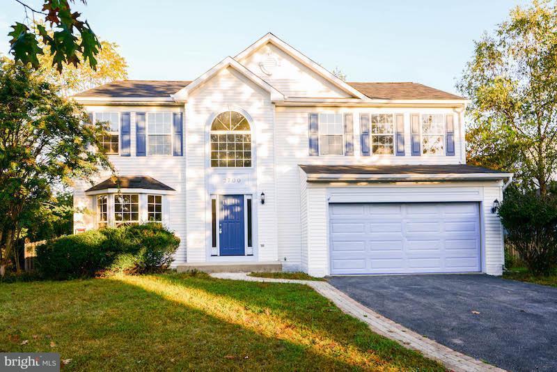 Maison unifamiliale pour l Vente à 2700 MAYNARD Road 2700 MAYNARD Road Crofton, Maryland 21114 États-Unis