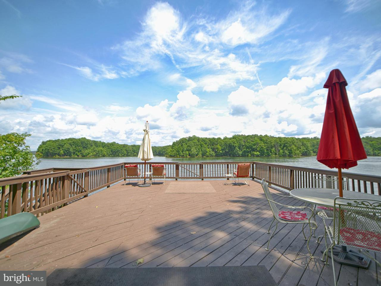 Additional photo for property listing at 1267 ANNA COVES BLVD 1267 ANNA COVES BLVD Mineral, Virginia 23117 Vereinigte Staaten