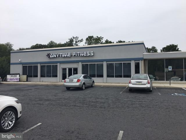 Commercial for Sale at 1515 LINCOLN WAY E 1515 LINCOLN WAY E Chambersburg, Pennsylvania 17201 United States