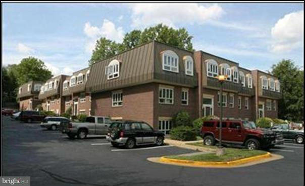 Commercial for Sale at 10627 Jones St #301a Fairfax, Virginia 22030 United States