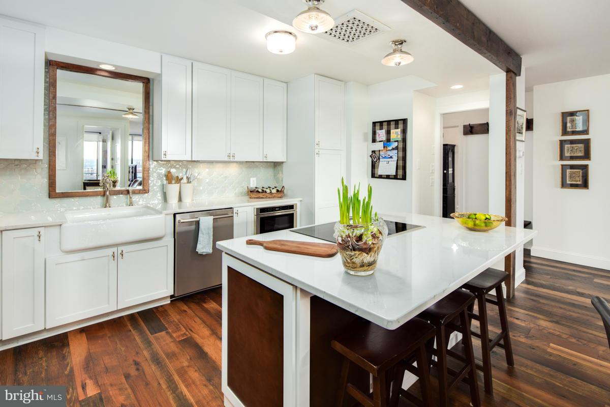 Additional photo for property listing at 2555 Pennsylvania Ave NW #910  Washington, District Of Columbia 20037 United States