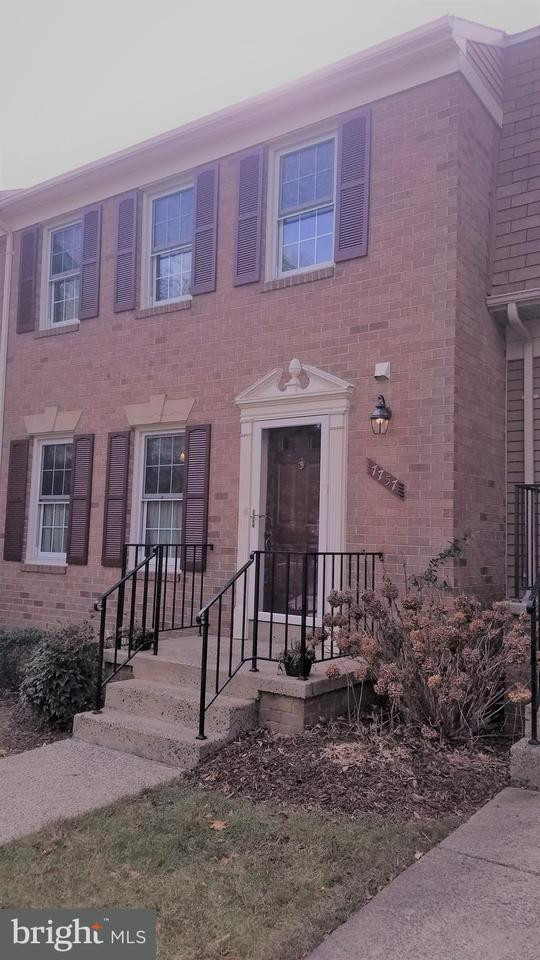 Townhouse for Sale at 7757 SHOOTINGSTAR Drive 7757 SHOOTINGSTAR Drive Springfield, Virginia 22152 United States