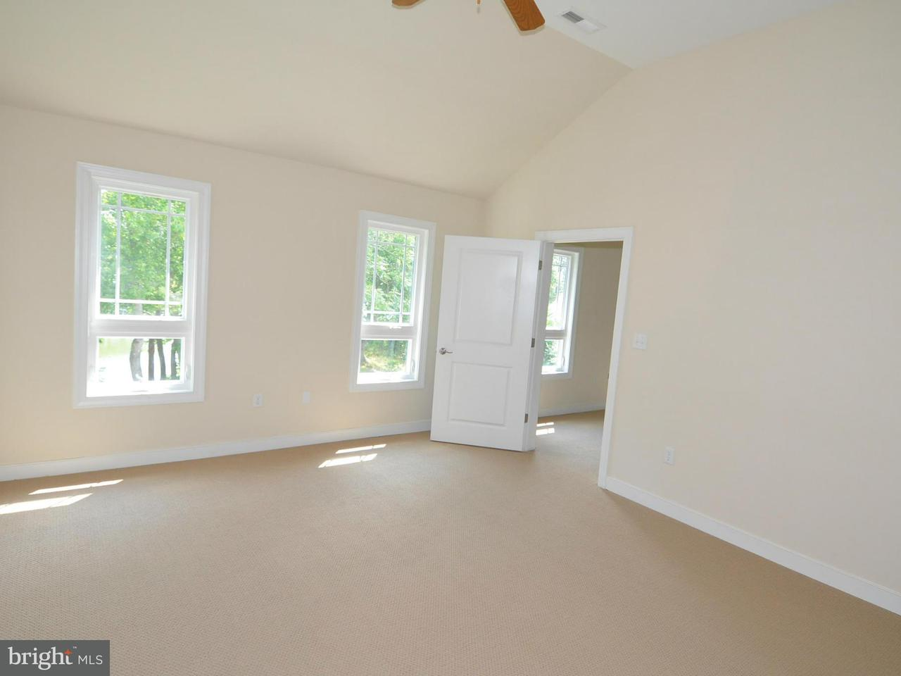 Additional photo for property listing at 239 Eagles Nest Lane 239 Eagles Nest Lane Heathsville, Virginia 22473 États-Unis