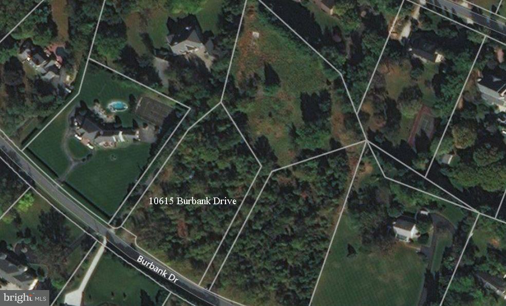 Terrain pour l Vente à 10615 BURBANK Drive 10615 BURBANK Drive Potomac, Maryland 20854 États-Unis