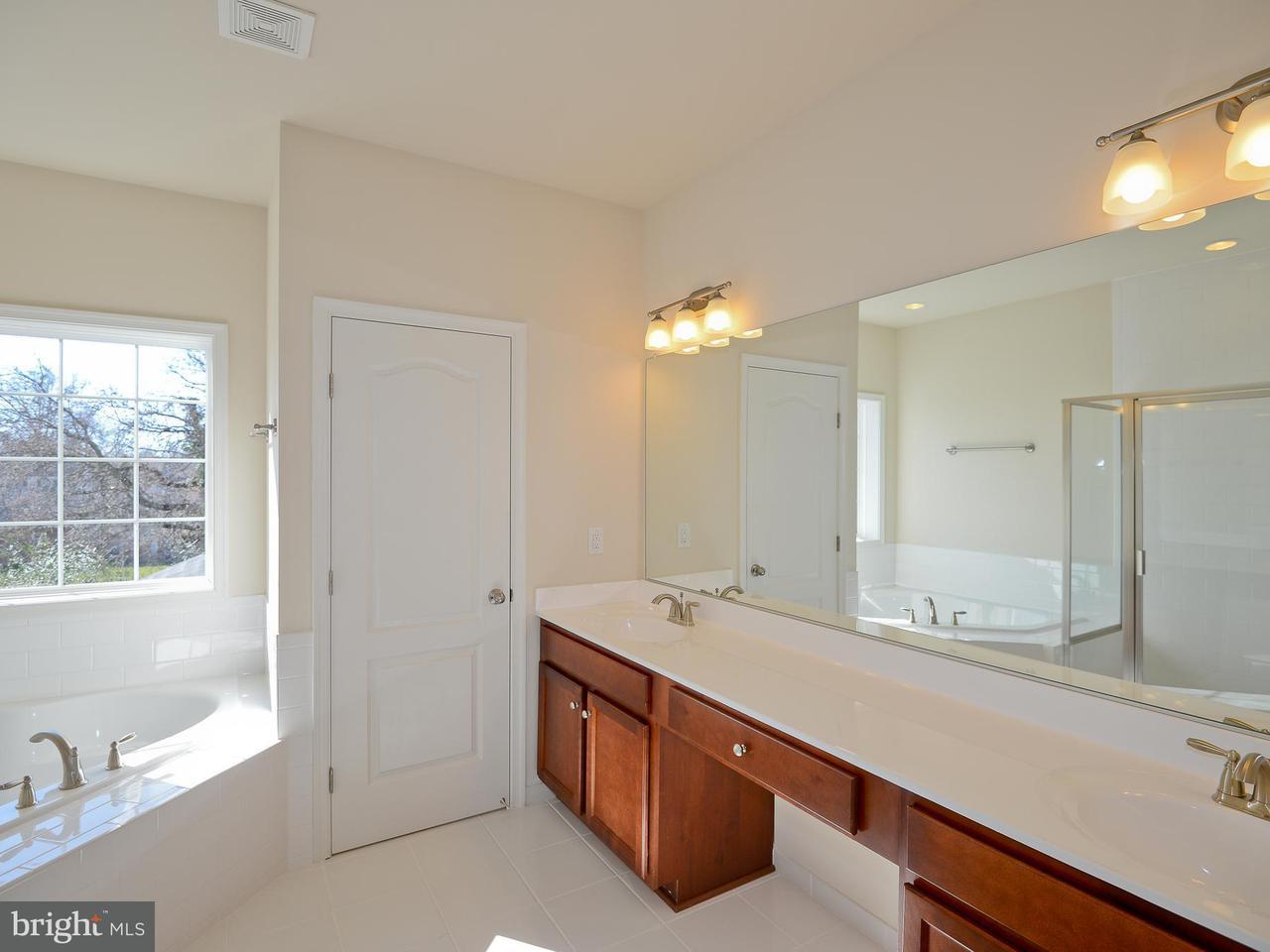 Additional photo for property listing at 9038 SUDLEY RD #15A 9038 SUDLEY RD #15A Manassas, Виргиния 20110 Соединенные Штаты