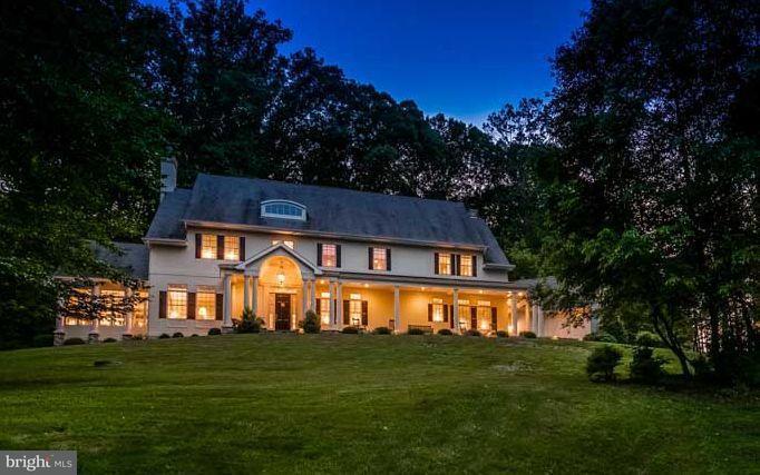 Maison unifamiliale pour l Vente à 4003 CLOVERLAND Drive 4003 CLOVERLAND Drive Phoenix, Maryland 21131 États-Unis