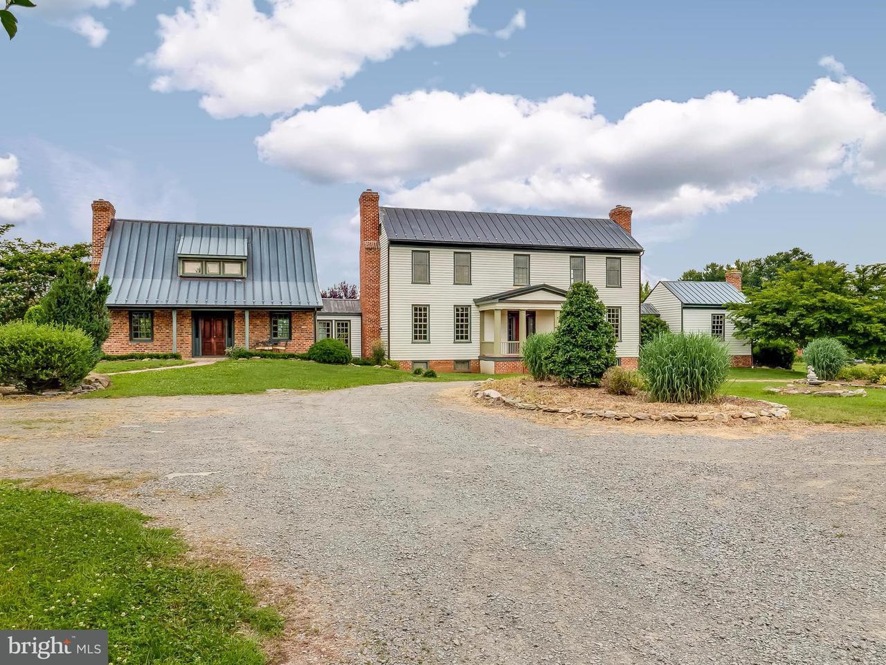 Casa Unifamiliar por un Venta en 38619 STEVENS Road 38619 STEVENS Road Lovettsville, Virginia 20180 Estados Unidos