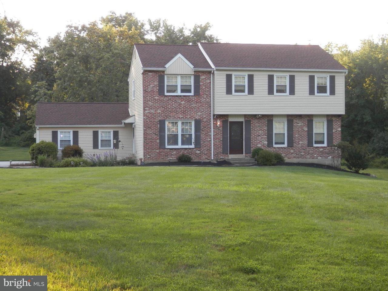 独户住宅 为 销售 在 60 COLONIAL Circle Thornton, 宾夕法尼亚州 19373 美国
