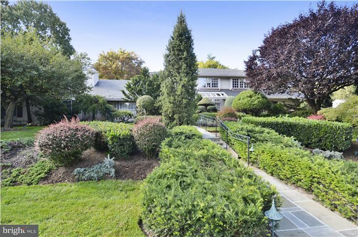 Single Family Home for Sale at 11208 STEPHALEE Lane 11208 STEPHALEE Lane Rockville, Maryland 20852 United States