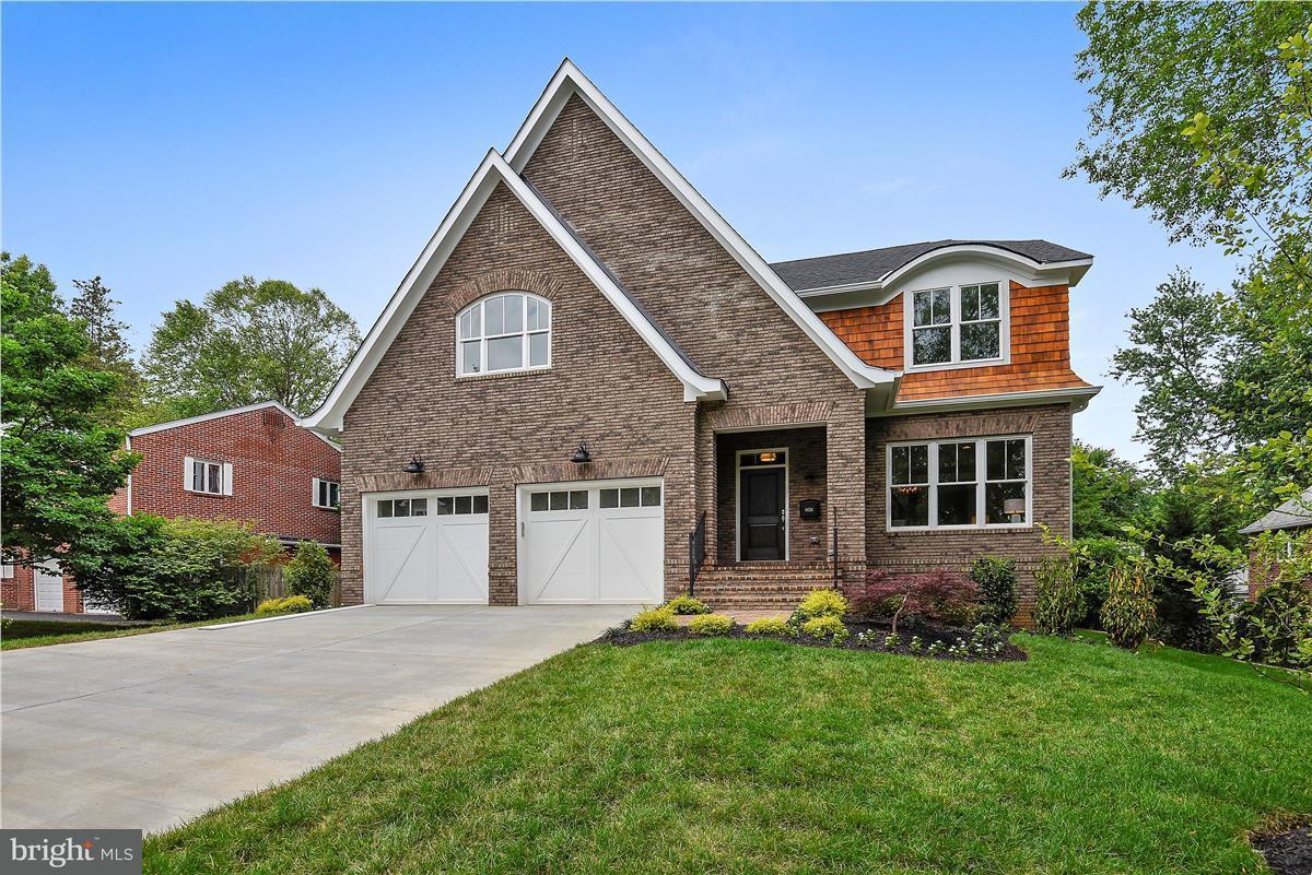 獨棟家庭住宅 為 出售 在 6636 Gordon Avenue 6636 Gordon Avenue Falls Church, 弗吉尼亞州 22046 美國