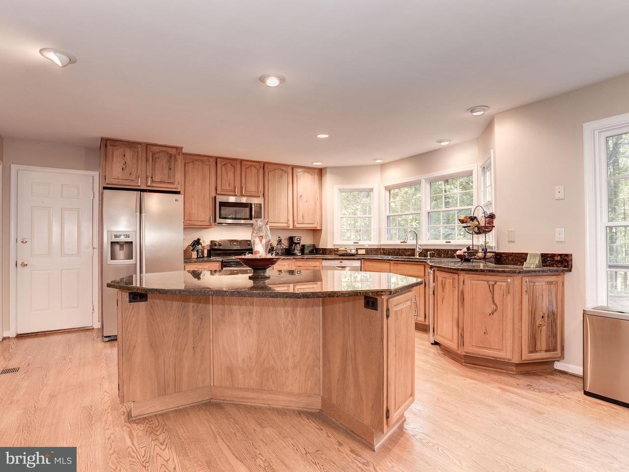 Additional photo for property listing at 12106 MAYAPPLE Drive 12106 MAYAPPLE Drive Marriottsville, Maryland 21104 Estados Unidos