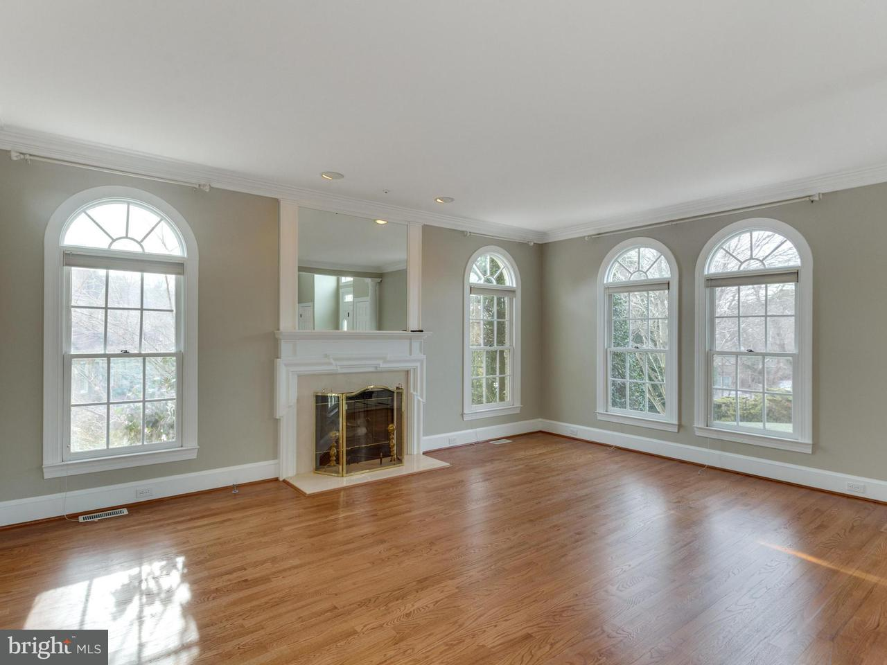 Additional photo for property listing at 2107 Polo Pointe Dr  Vienna, Virginia 22181 United States