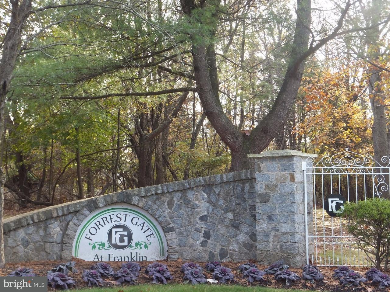 联栋屋 为 出租 在 1100 OAKCROFT Lane 萨默赛特, 新泽西州 08873 美国在/周边: Franklin Township
