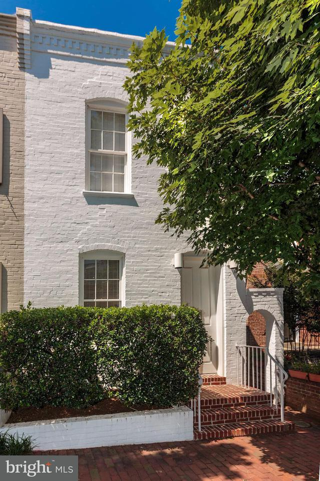 Townhouse for Sale at 3323 DENT PL NW 3323 DENT PL NW Washington, District Of Columbia 20007 United States