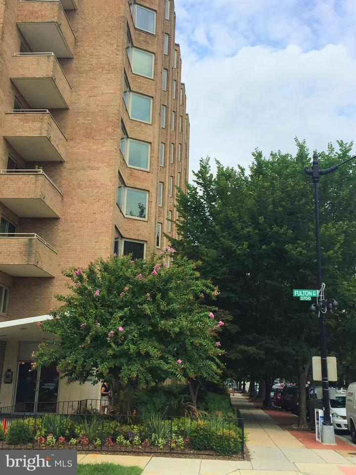 Condominium for Rent at 2800 Wisconsin Ave NW #901 Washington, District Of Columbia 20007 United States