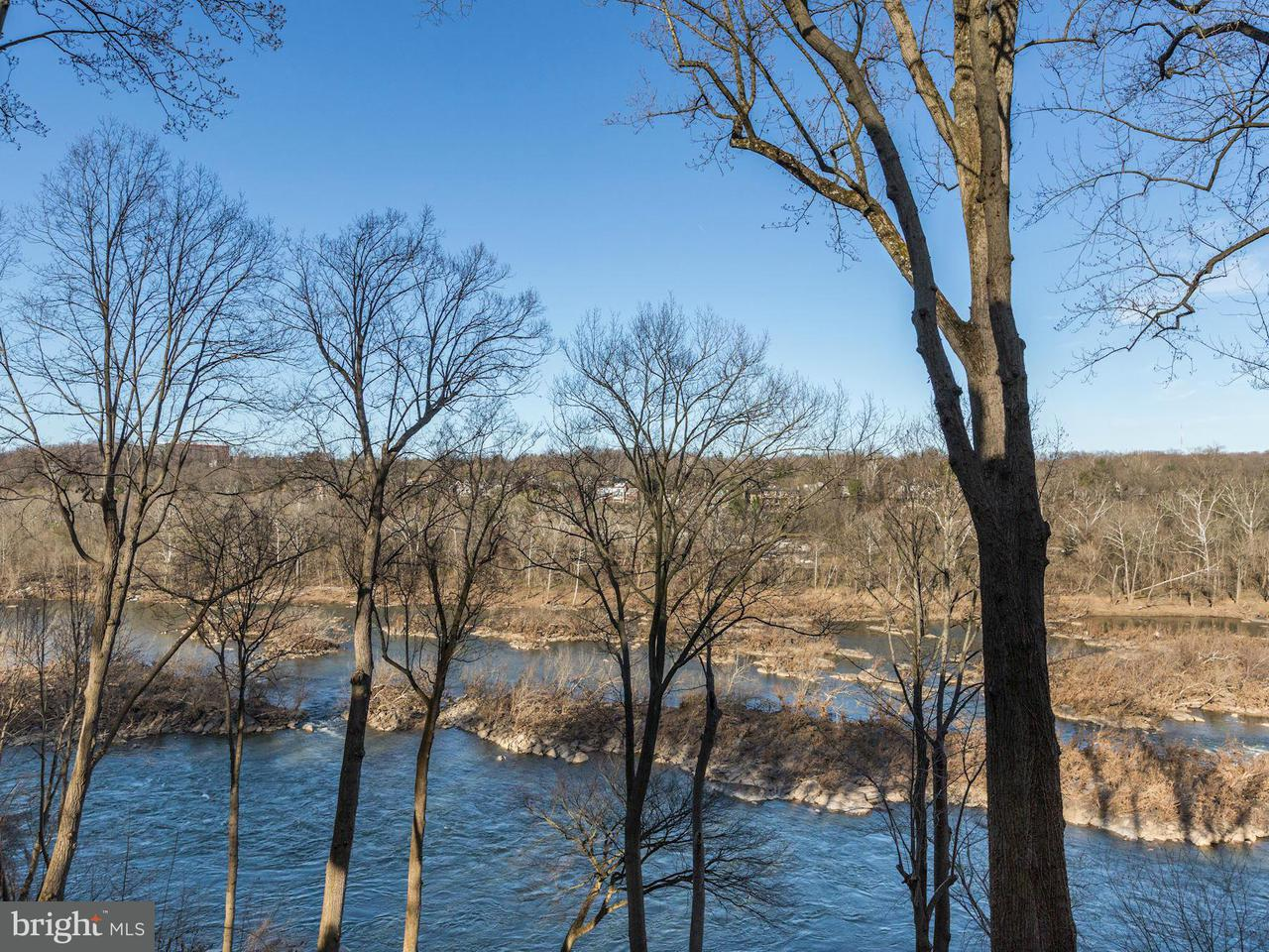 Additional photo for property listing at 670 CHAIN BRIDGE Road 670 CHAIN BRIDGE Road McLean, Virginia 22101 United States