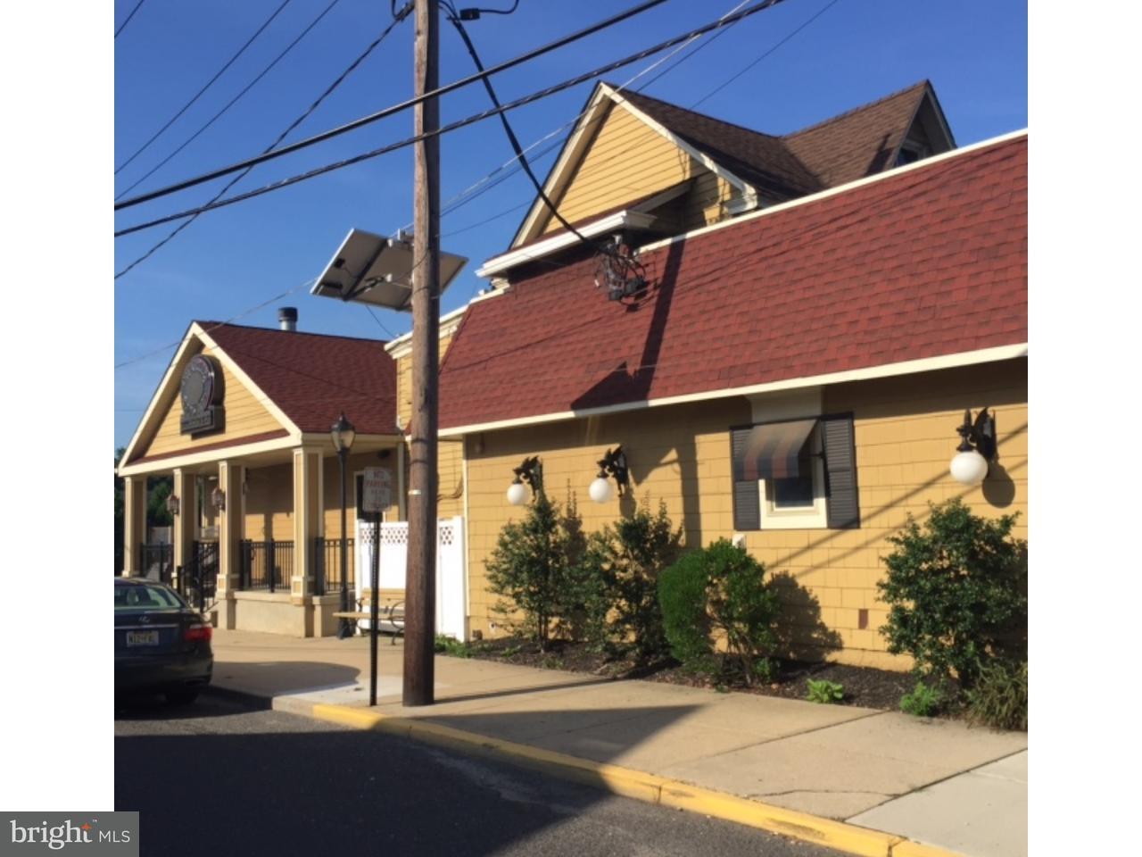 Casa Unifamiliar por un Venta en 114-116 E MAIN Street Maple Shade, Nueva Jersey 08052 Estados Unidos