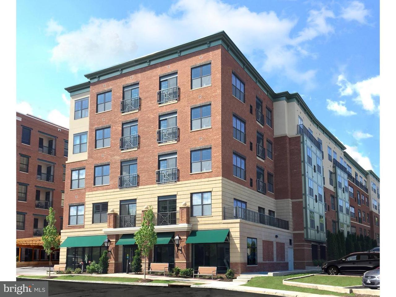 Casa Unifamiliar por un Alquiler en 110 SIBLEY AVE #PH-01 Ardmore, Pennsylvania 19003 Estados Unidos