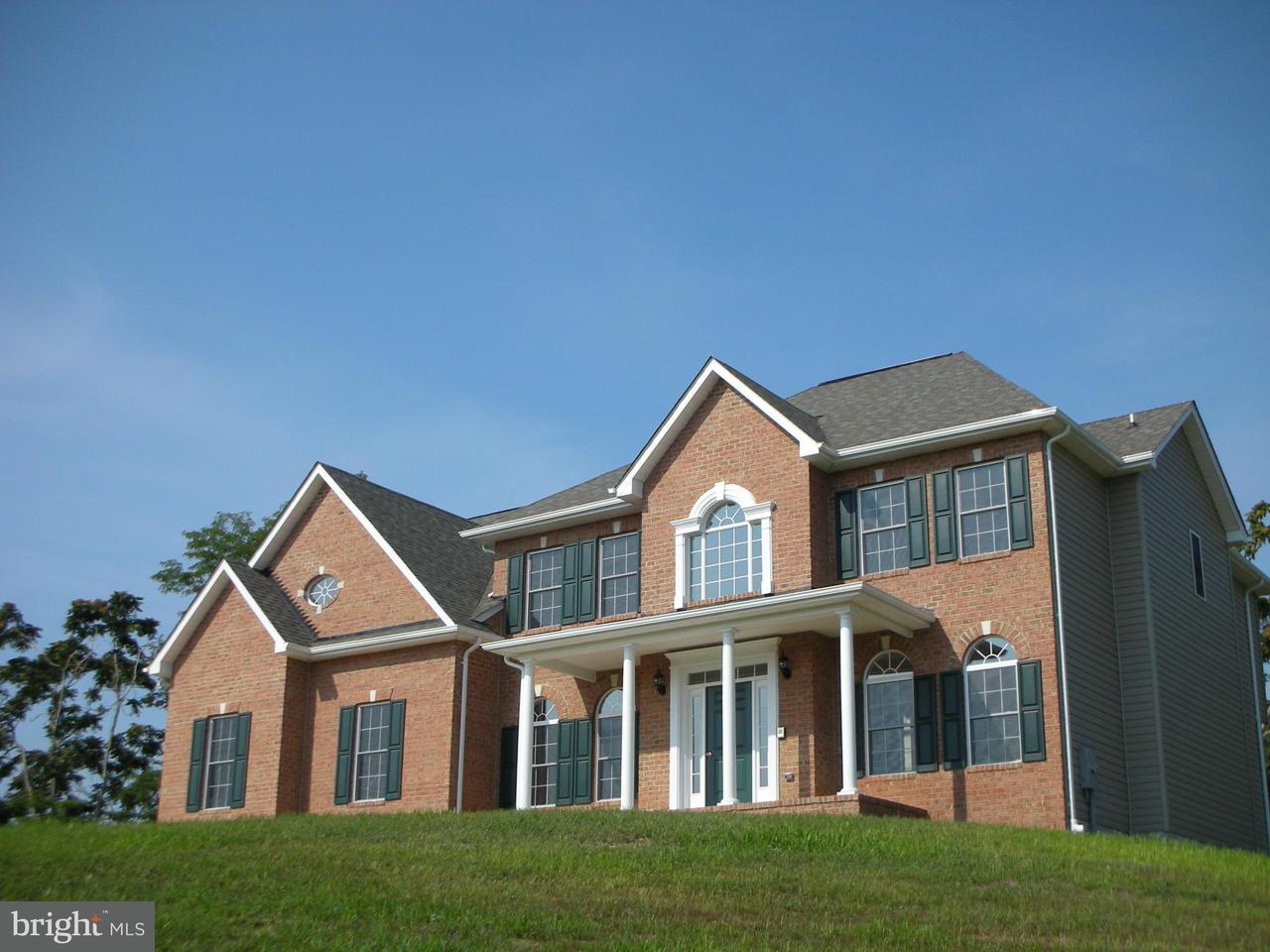 Maison unifamiliale pour l Vente à 7239 JOCKEY Court 7239 JOCKEY Court Hughesville, Maryland 20637 États-Unis